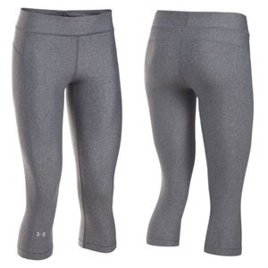 NWT Under Armour Cropped Compression Legging